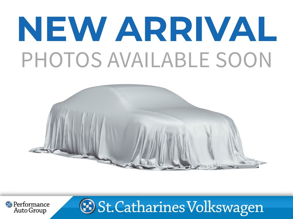 Certified Pre-Owned 2015 Volkswagen Golf 1.8T COMFORTLINE CERTIFIED PRE-OWNED SUNROOF