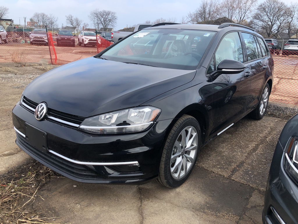 New 2019 Volkswagen Golf SportWagen Sportwagen 1.8T Highline 6sp 4motion
